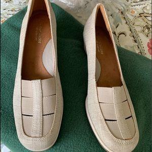 9.5 narrow Naturalizer linen wedge shoes
